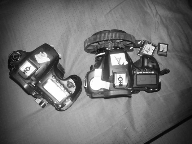 Butt nekkid, barebones setup for both cameras
